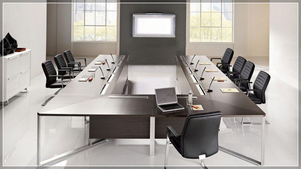 Arredo direzionale sistema di tavoli riunione for Arredamento ufficio economico