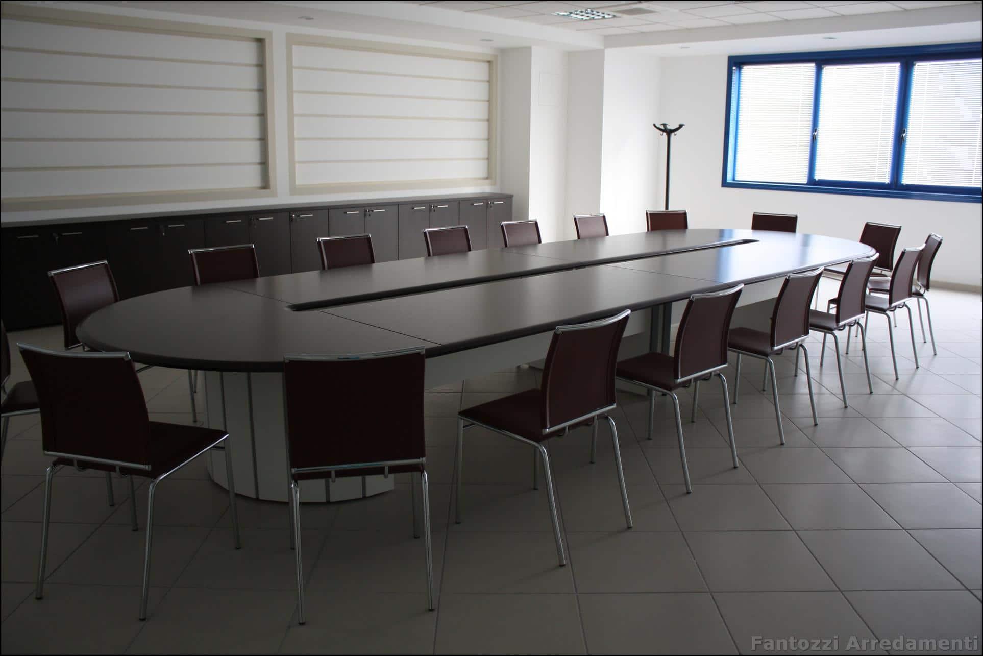 Arredo ufficio classico top gallery of arredo ufficio for Arredo ufficio economico